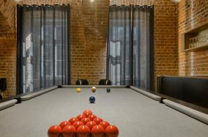 A pool table at Unique flat 22