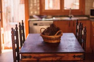 A kitchen or kitchenette at Es moli de na Sebastiana