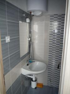 A bathroom at Apartman Silver
