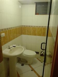Un baño de Av. Infancia 429 Apartamento