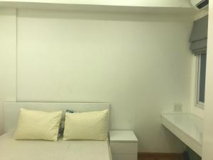 A bed or beds in a room at Nancy Sweet Apartment - A1506