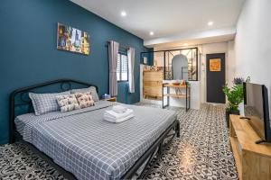 HoLo Fairy House Saigon - Serviced Homestay