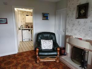 A seating area at Craig Cottage