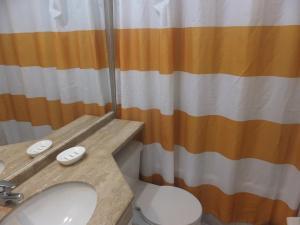 Un baño de Departamentos Centro Urbano Providencia