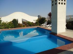The swimming pool at or near Barrio Bellavista/Lastarria (2)