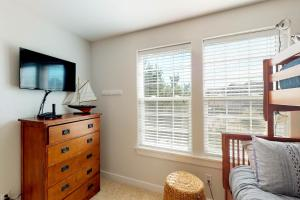 A television and/or entertainment center at Westhaven Park View