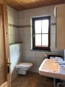 Ein Badezimmer in der Unterkunft Stocker Apartments - Beautiful Rohrmoos