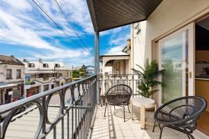 A balcony or terrace at Balmain East Self Contained Two-Bedroom Apartment (BAL 66DARL)