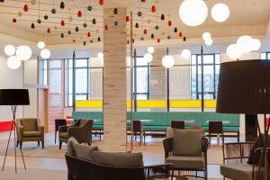 The lounge or bar area at Aparthotel Adagio Liverpool City Centre