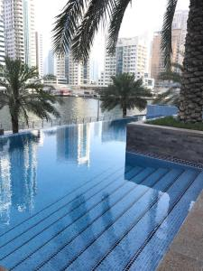 The swimming pool at or close to Park Island, Dubai Marina