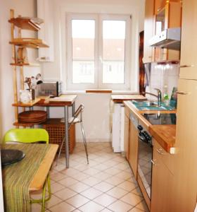 A kitchen or kitchenette at hal neu