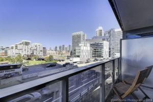 A balcony or terrace at Lux 1BR Suite in King West
