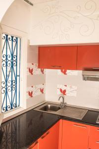 A kitchen or kitchenette at Private Apartment at Marina Monastir
