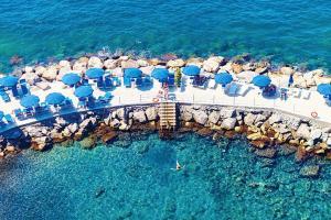 A bird's-eye view of Sorrento Villa Sleeps 10 Pool Air Con WiFi