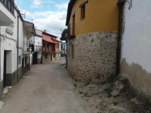 El barrio de los alrededores o un barrio cerca de este chalet de montaña