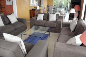 A seating area at Golfe-Juan Villa Sleeps 14 Pool