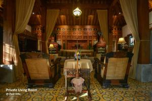 A restaurant or other place to eat at Ubud Syailendra Villas