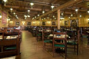 A restaurant or other place to eat at Disney's Davy Crockett Ranch