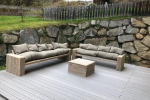 A seating area at AlpinResort Kaprun
