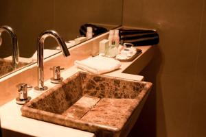 Vonios kambarys apgyvendinimo įstaigoje Rosedal Suite