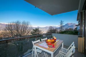 Ein Balkon oder eine Terrasse in der Unterkunft Pazzallo Apartment Sleeps 3
