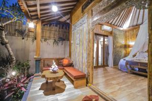 Uma área de estar em The Forest Batu Kurung Ubud