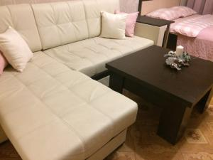 A seating area at Однокомнатная квартира на Пушкина, 45