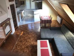 Výhled na bazén z ubytování Apartment Lužné nebo okolí