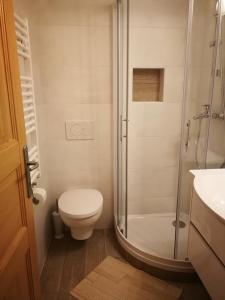 Ein Badezimmer in der Unterkunft Počitniška hiša Ukanc
