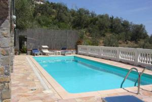 The swimming pool at or near Casa Lella