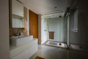 Ванная комната в Sanctuary Wangamat Condominimum 3 bedroom