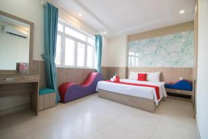 RedDoorz Plus near Gia Dinh International Hospital 2