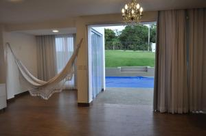 A view of the pool at Casa com suítes em Brasília or nearby
