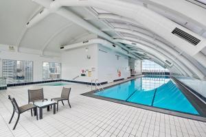 The swimming pool at or close to Darling Harbour Getaway