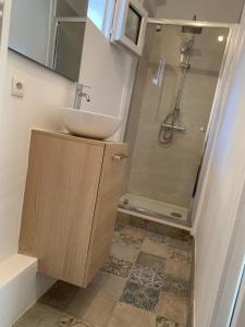 A bathroom at Studio Calendal