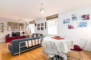 Гостиная зона в Good size 2 bedroom in a perfect location