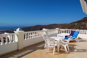 A balcony or terrace at Villa Roque Del Conde, Las Americas, Tenerife