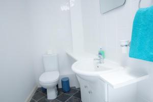 "A bathroom at Paddington Gorgeous ""Mews House"" in Central London"