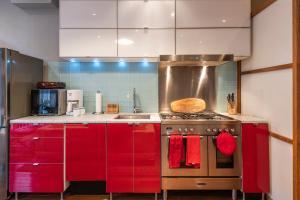 Кухня или мини-кухня в Gem near Rittenhouse - The Loft
