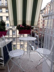 Balkón nebo terasa v ubytování Emerald House