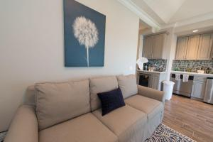 A seating area at The Cliffside Resort Condominiums