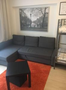 A seating area at The Hague Shortstay