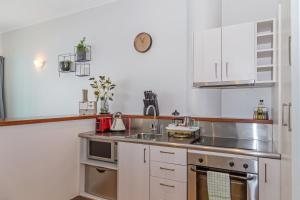 A kitchen or kitchenette at Amazing Viaduct 1 Bedroom