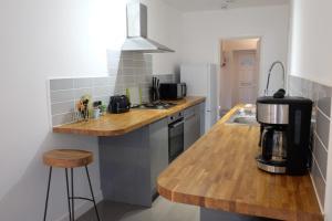 Küche/Küchenzeile in der Unterkunft Contemporary Two bedroom two bathroom apartment