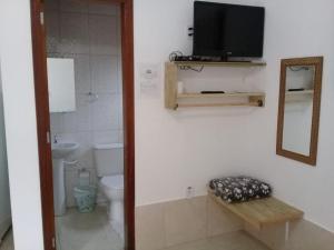 A bathroom at Chalé Da Fran