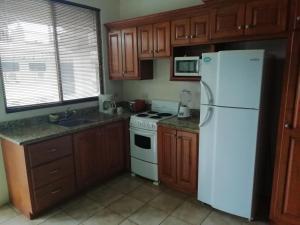 Una cocina o zona de cocina en Vista Perfecta 2 (#7, #9)