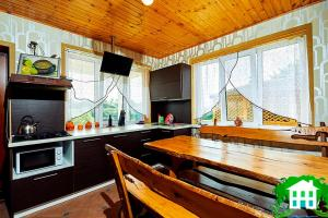 Кухня или мини-кухня в Usad'ba Svetly Bereg