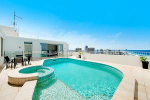 The swimming pool at or near Golden Gate 2 Storey Penthouse with Pool - We Accommodate