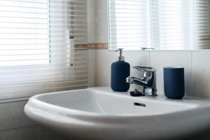 A bathroom at Calle Mayor Apartment - 3BR 2BT