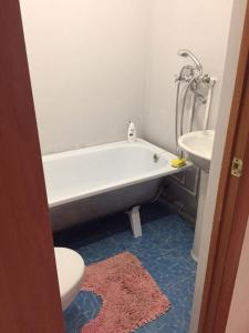 Bathroom sa Апппартаменты в Элисте